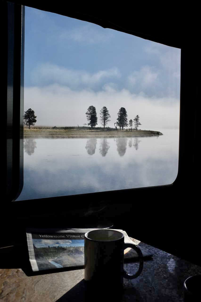 Camper-Frühstück im Haiden Valley Yellowstone