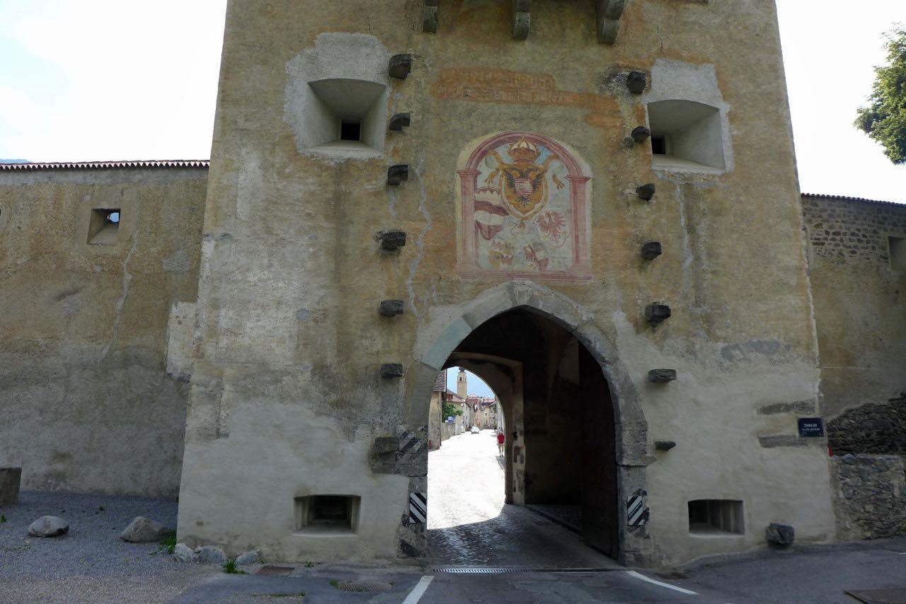 Glurns Tor ins Mittelalter