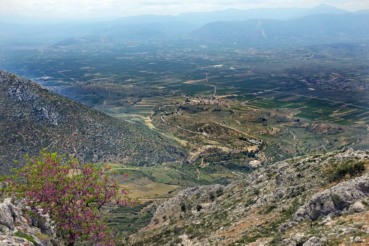 Vom Agiolias Berg Blick über Mykene
