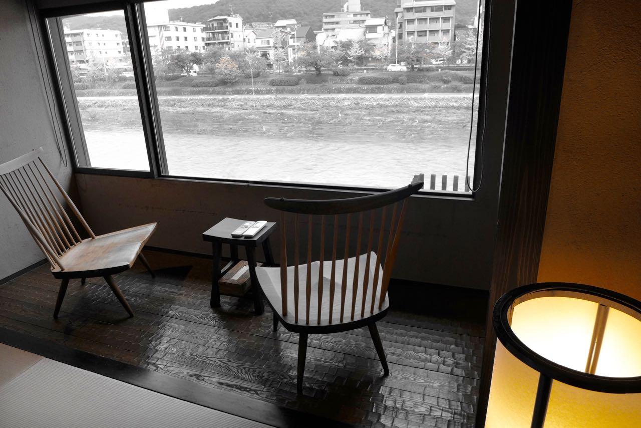 Schlafzimmer mit Flussblick – Iori Machiya Stay Kyoto