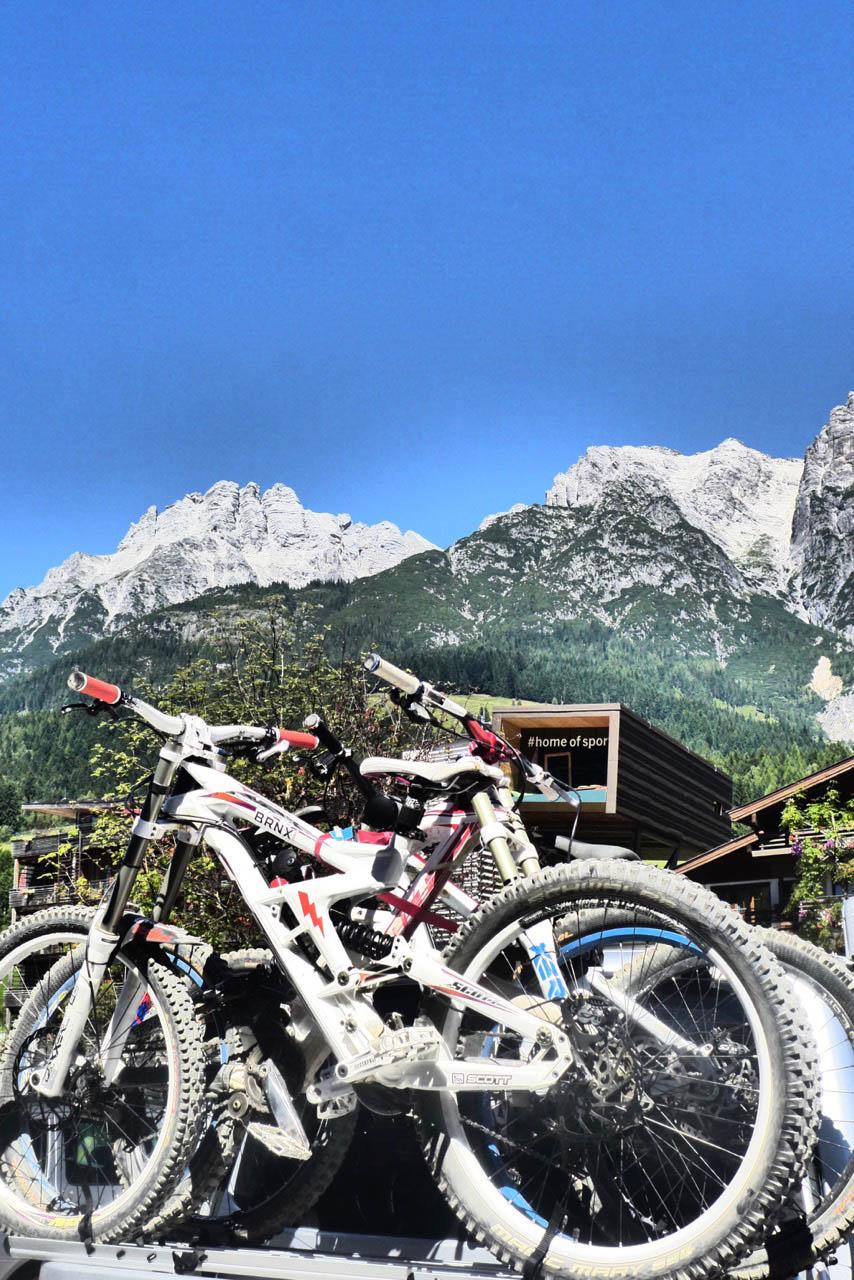 Biker zieht Leogang an