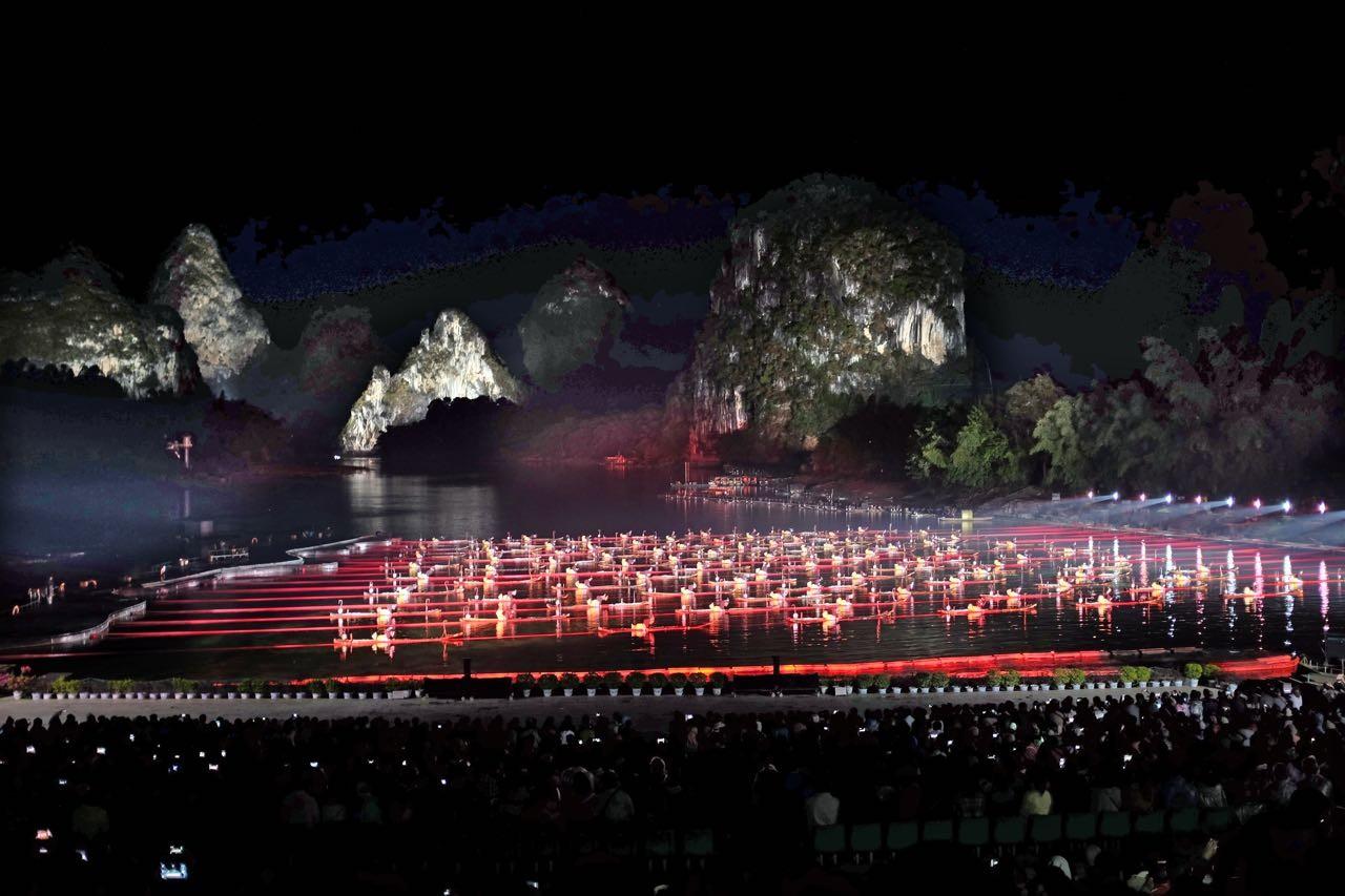 Vor großartiger Naturbühne, Impressions Sanjie Liu in Yangshuo