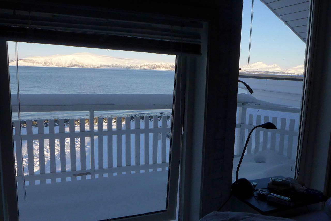 Blick aus dem Schlafzimmer aufs die Lenangen Bucht - Lyngen Alps Norway