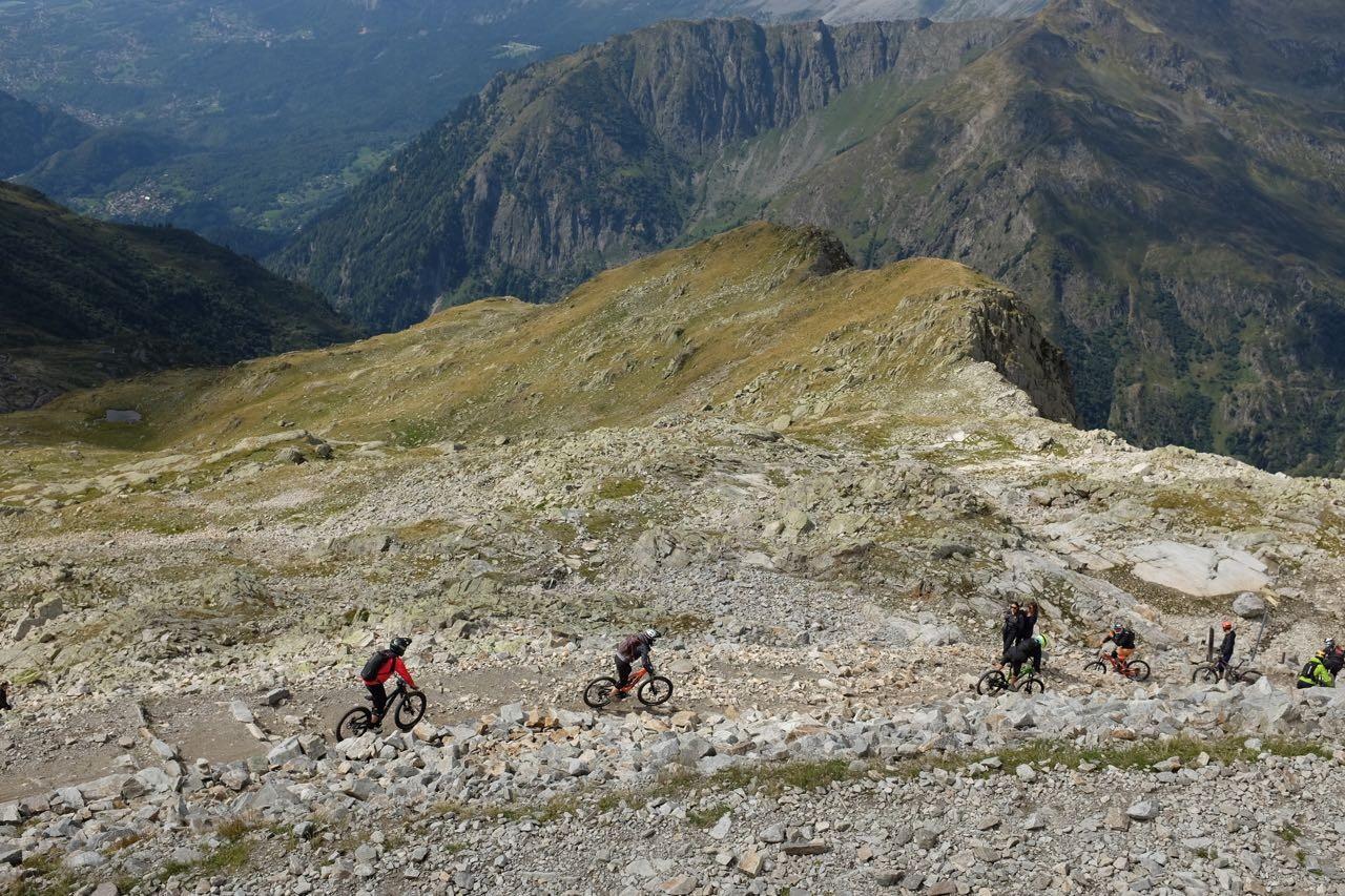 Vom Brévent Gipfel geht es downhill nach Chamonix