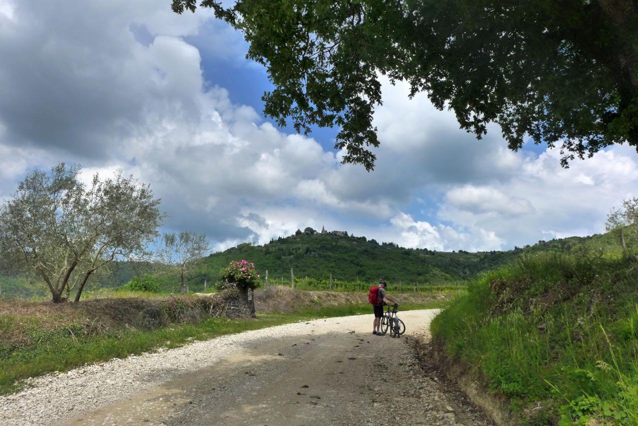 Parenzana 4,5km bergan Radtour nach Grožnjan