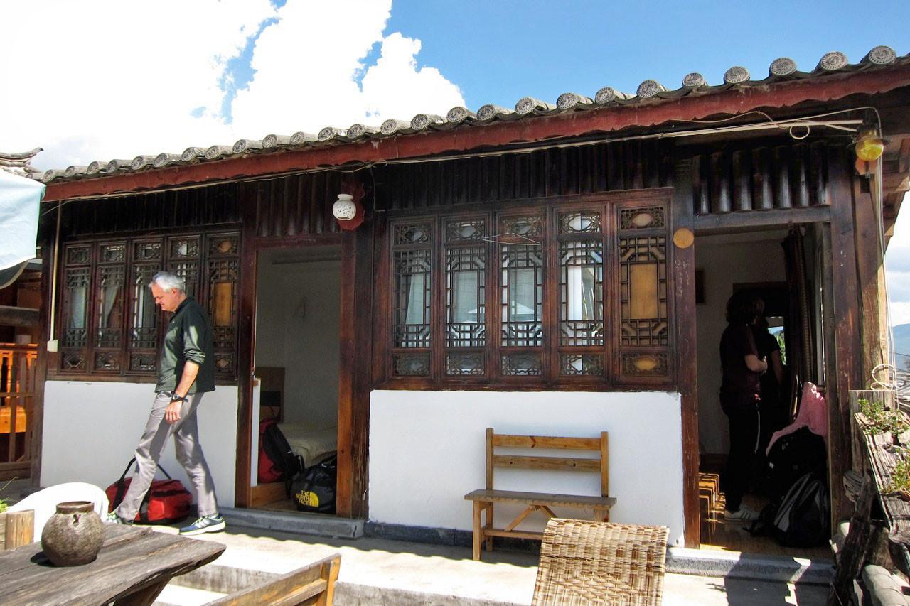 Timeless Hostel Lijiang schöne Zimmer auf der Dachterrasse