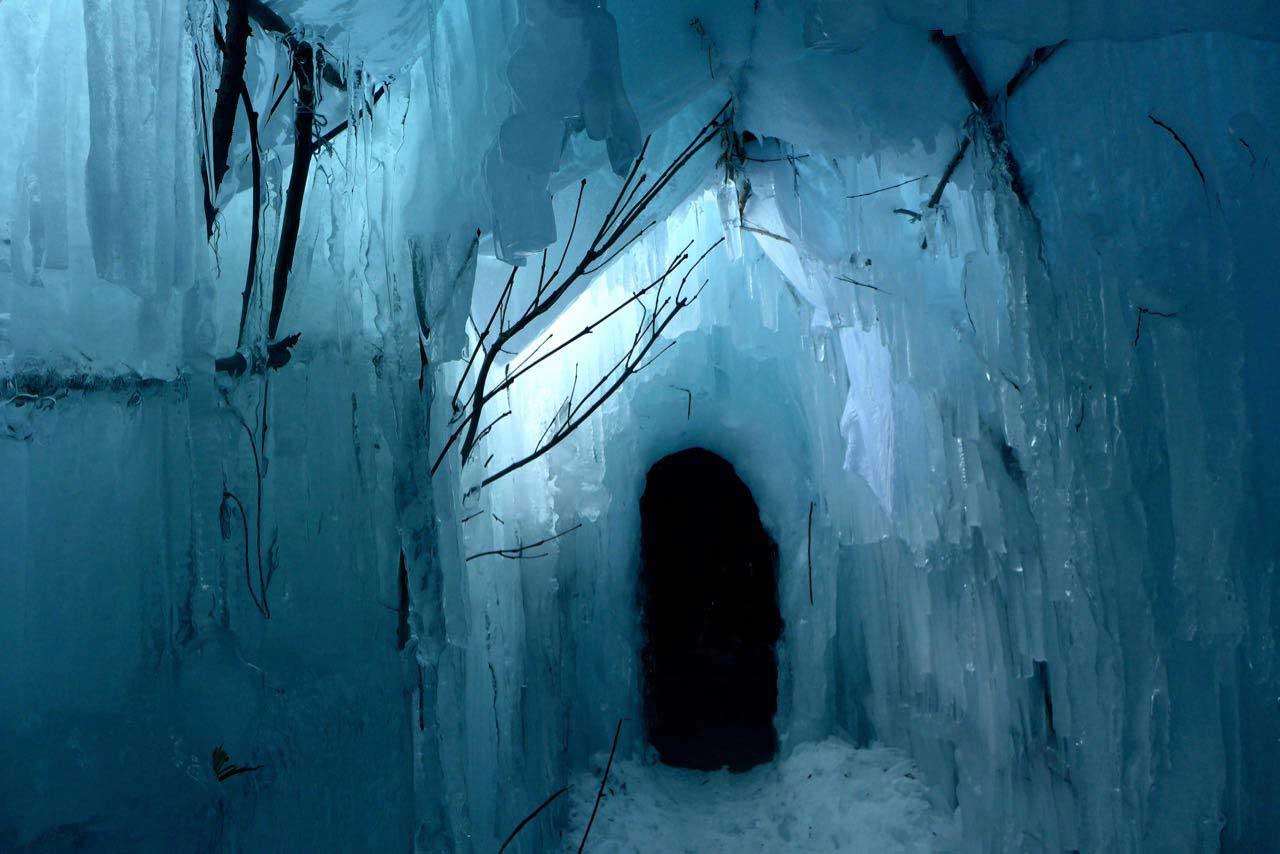 Begehbare Eiswelt Ice Stupa Morteratsch