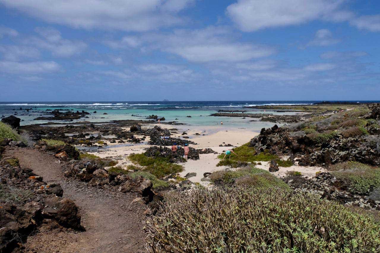 Die Caletones, weißen Dünen Badestrände im Norden von Lanzarote