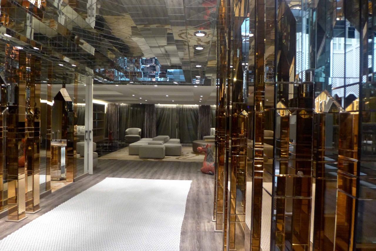Spiegelkabinett – Villa del Mar Marbella Club