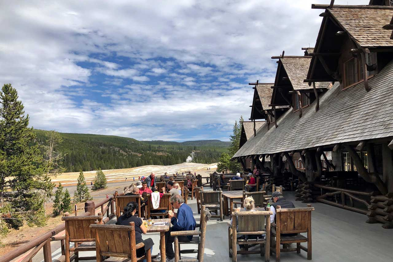 Old Faithful Inn Terrasse
