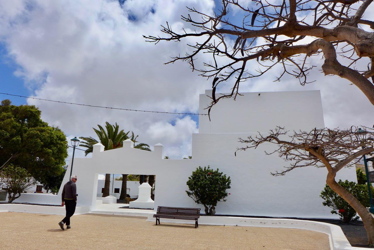 Die minimalistische Kirche San Isidro Labrador, Uga