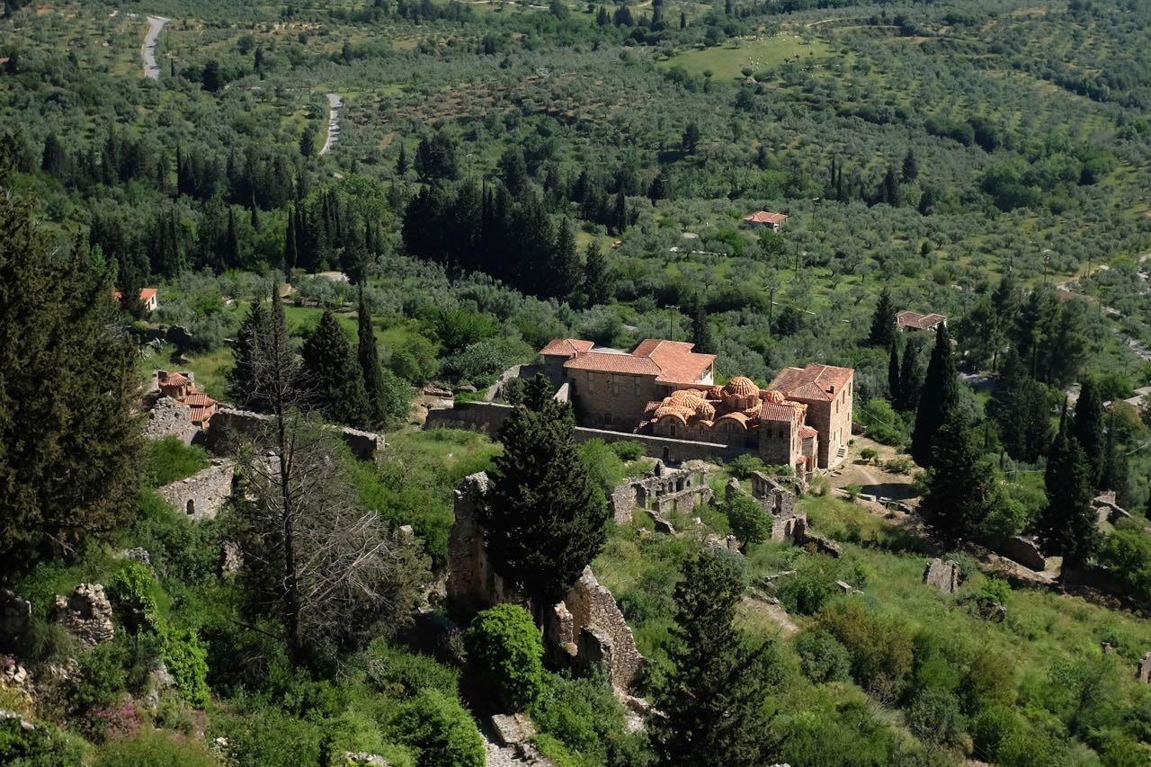 Blick von der Oberstadt von Mystras