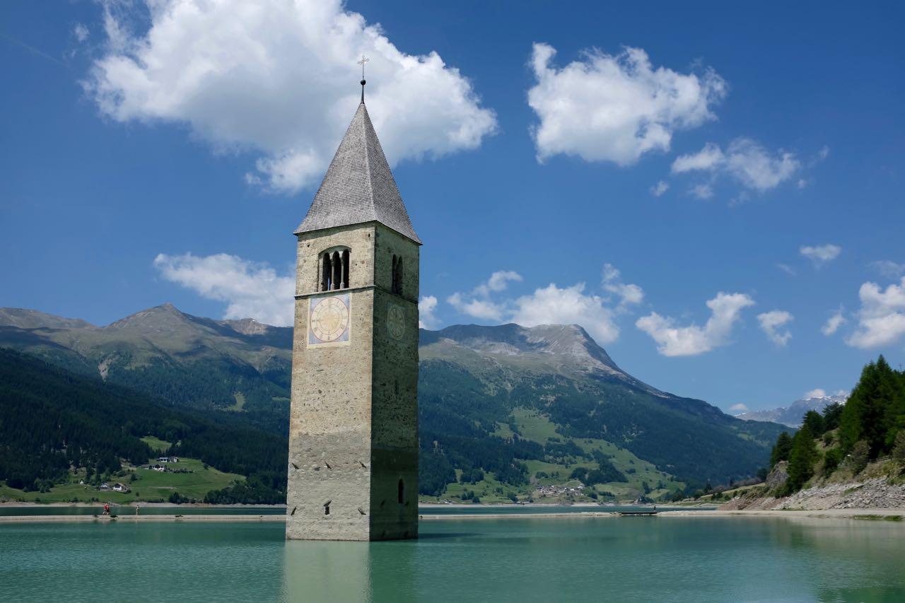 Vinschgaus Wahrzeichen – Kirchturm im Reschensee