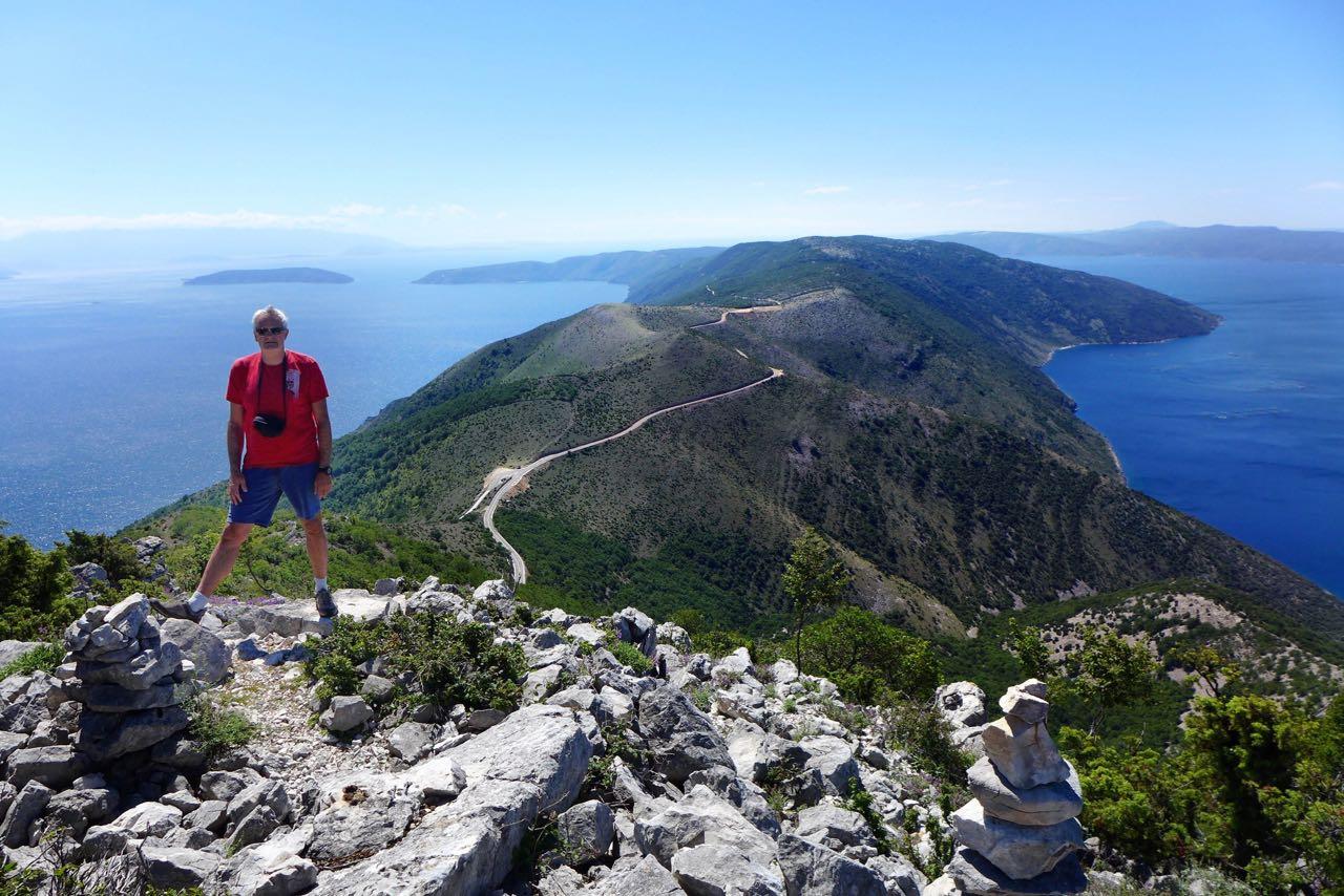 Ausblick mit Gänsegeier, Monte Sis Cres