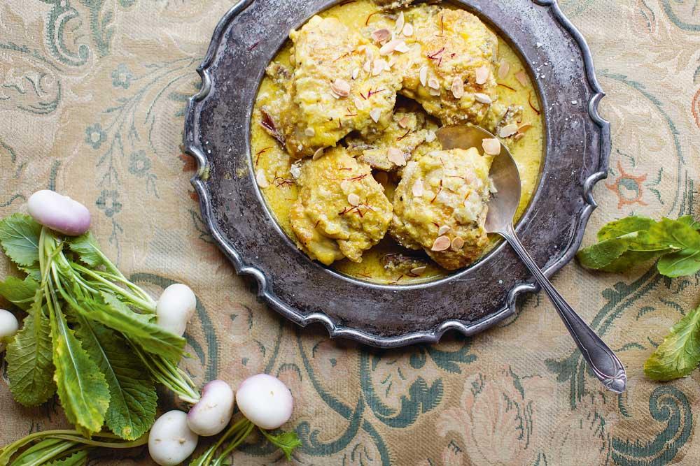 Hähnchen mit Ingwer, Safran, Datteln
