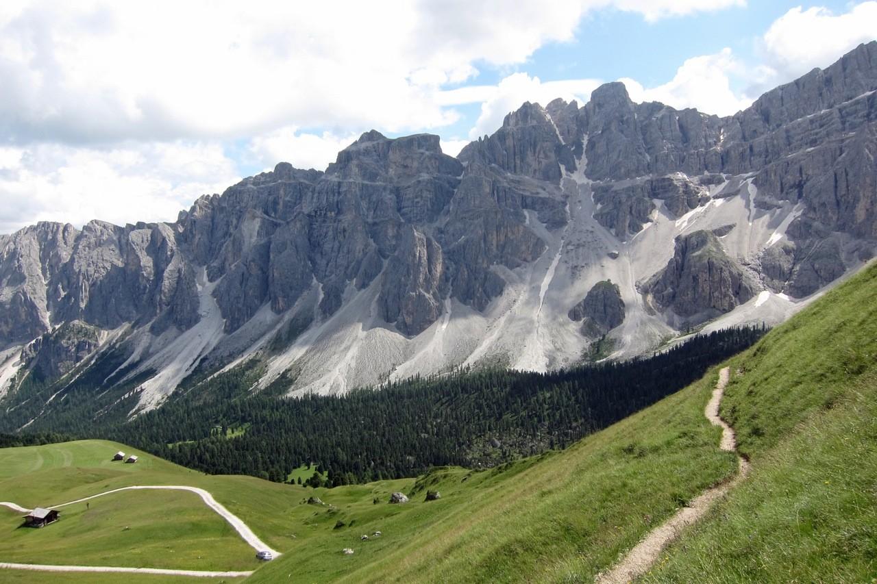Blick vom Kreuzjoch beim Aufstieg zur Schlüterhütte, Südtirol