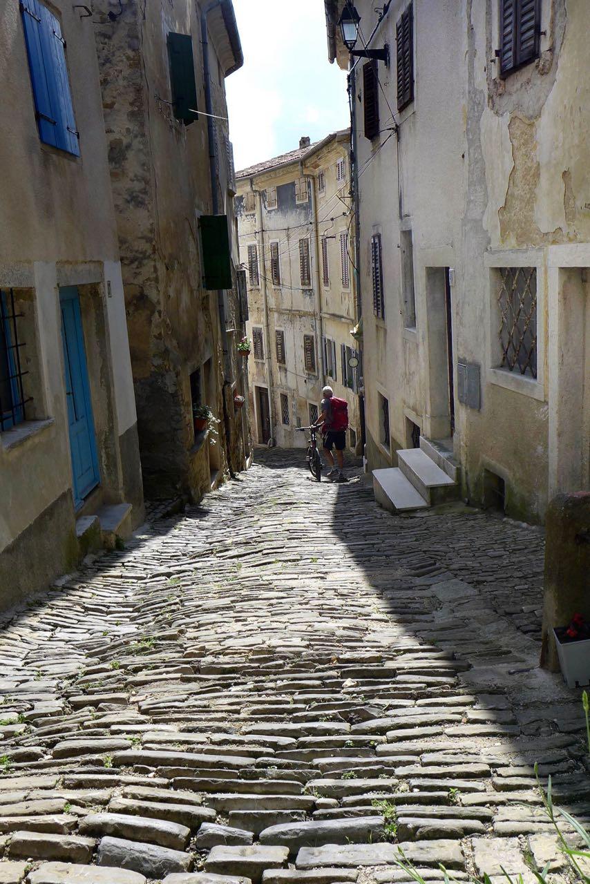 Istrien: Steile Steine, die alten Gassen in Motovun