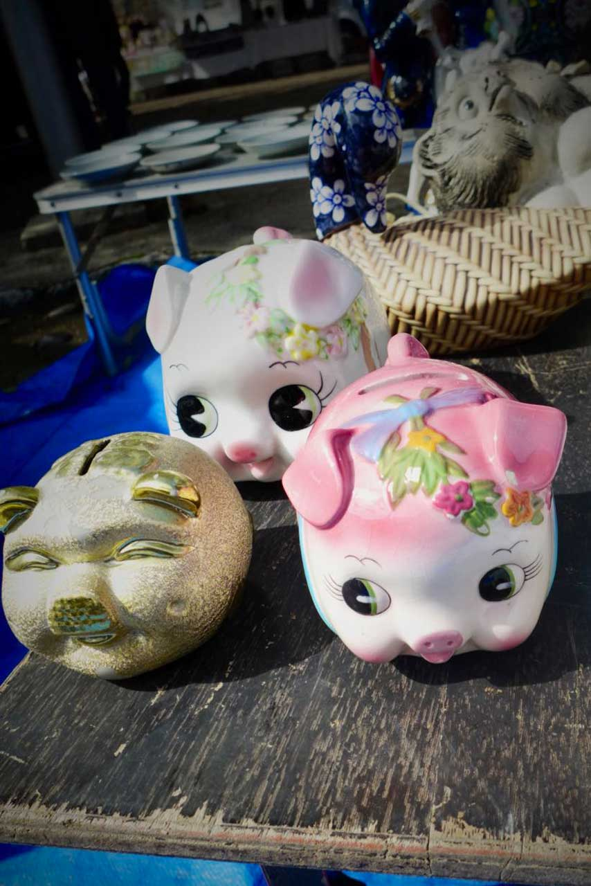 Originelle Souvenirs auf Kyotos Flohmärkten