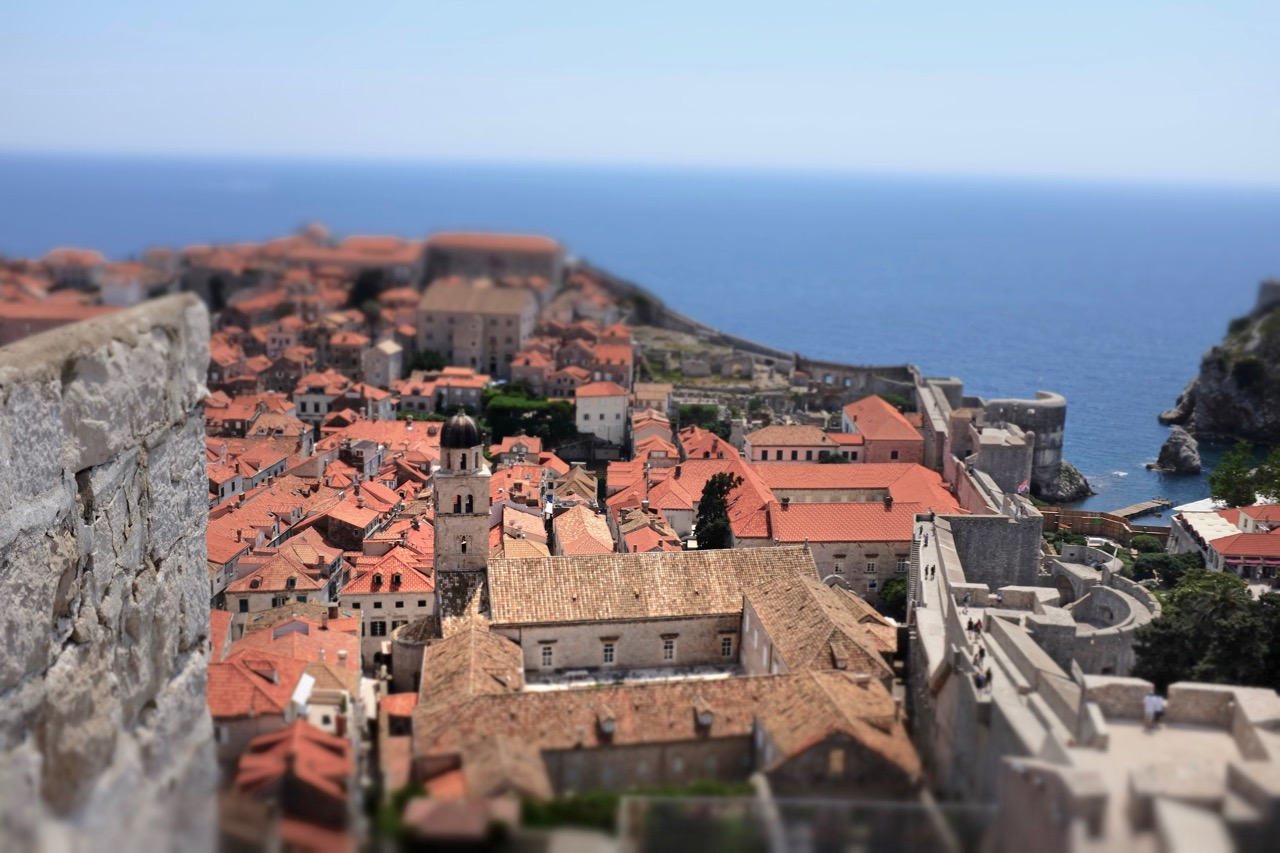Die Perle Dubrovnik von der Stadtmauer