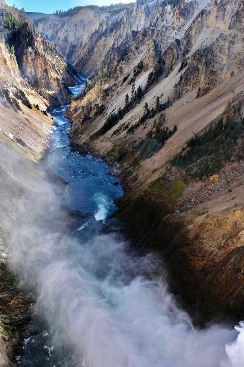 Tiefe Blicke vom Brink of Lower Falls, Grand Canyon Yellowstone