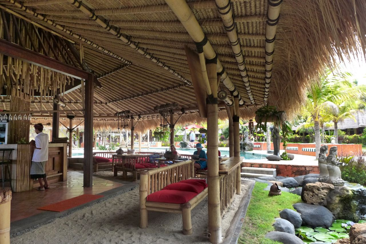 Bar-Restaurant am Strand – Taman Sari Pemuteran