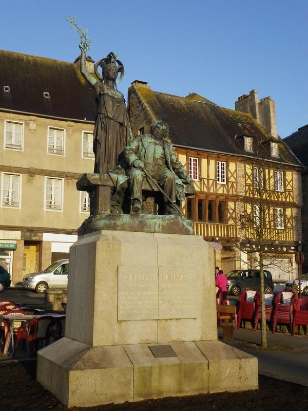 Statue de Renan - Treguier