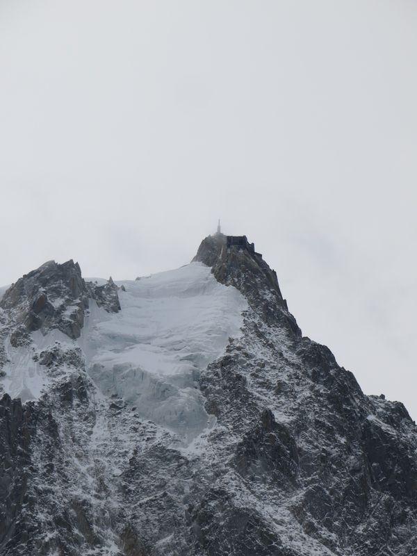 l'Aiguille du midi 3842 m mardi 10, après la neige