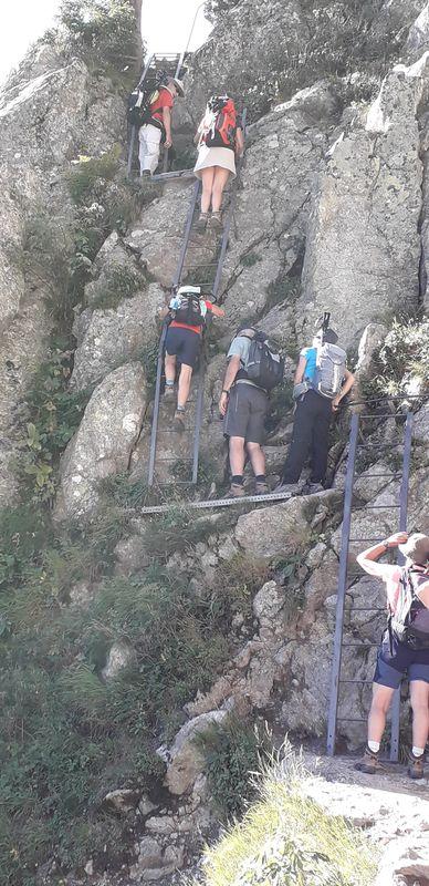 Passage des échelles de l'Aiguillette d'Argentière.