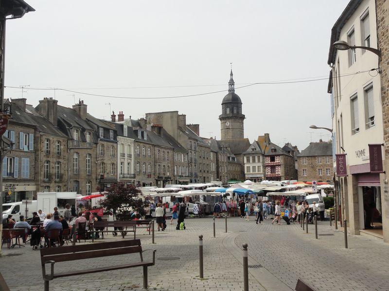 Place centrale Lamballe