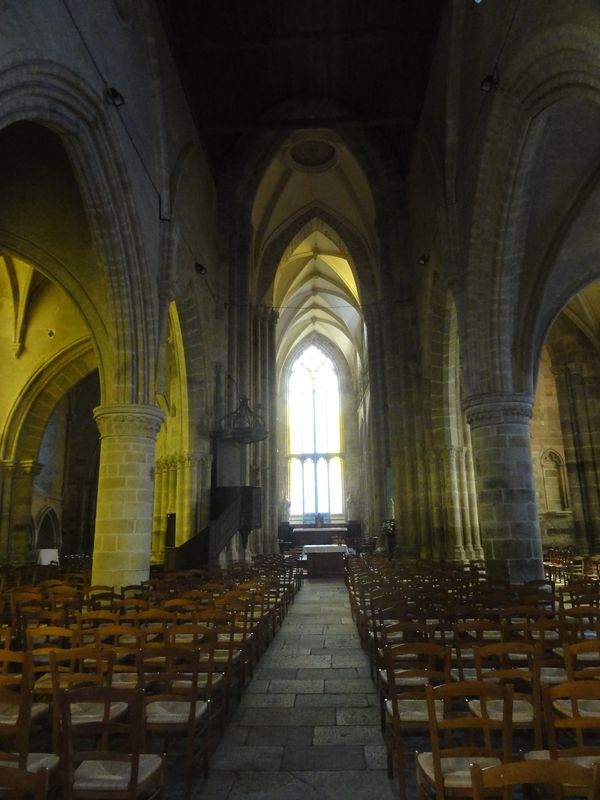 Nef - Cathédrale St Etienne - Lamballe