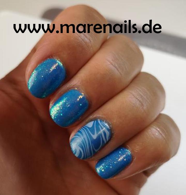 Digi Teal mit Nail Shadow, Stamping und Capri Iridescent Glitter