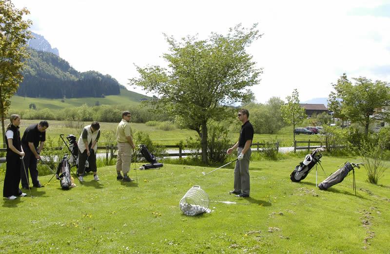 Golfplatz und Golfschule in unmittelbarer Nähe