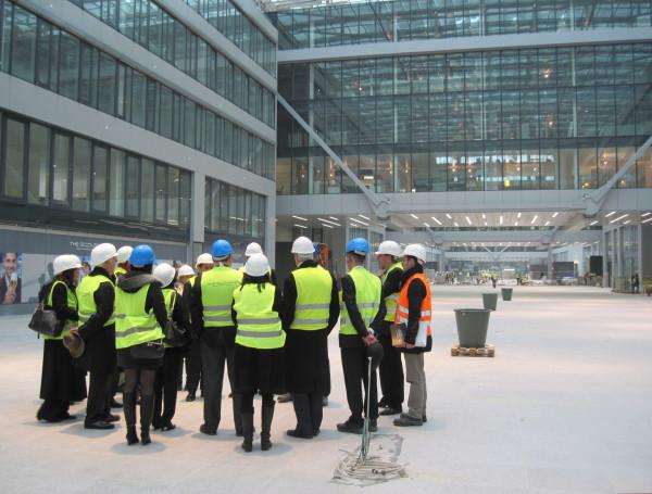 """Auf der Baustelle des Geschäftszentrums """"The Squaire"""" am Frankfurter Flughafen"""