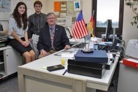 Loudouns Schulinspektor Hatrick trifft SPEP-Gastschüler aus Loudoun County im MTK (Bild: MTK)