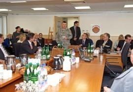 Gründungsversammlung auf der Air Base (Bild: MTK)
