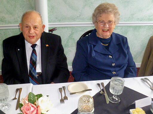 Mrs. und Mr. William Vitale, ehemalige Sekretär Marshalls im Verteidigungsministerium.