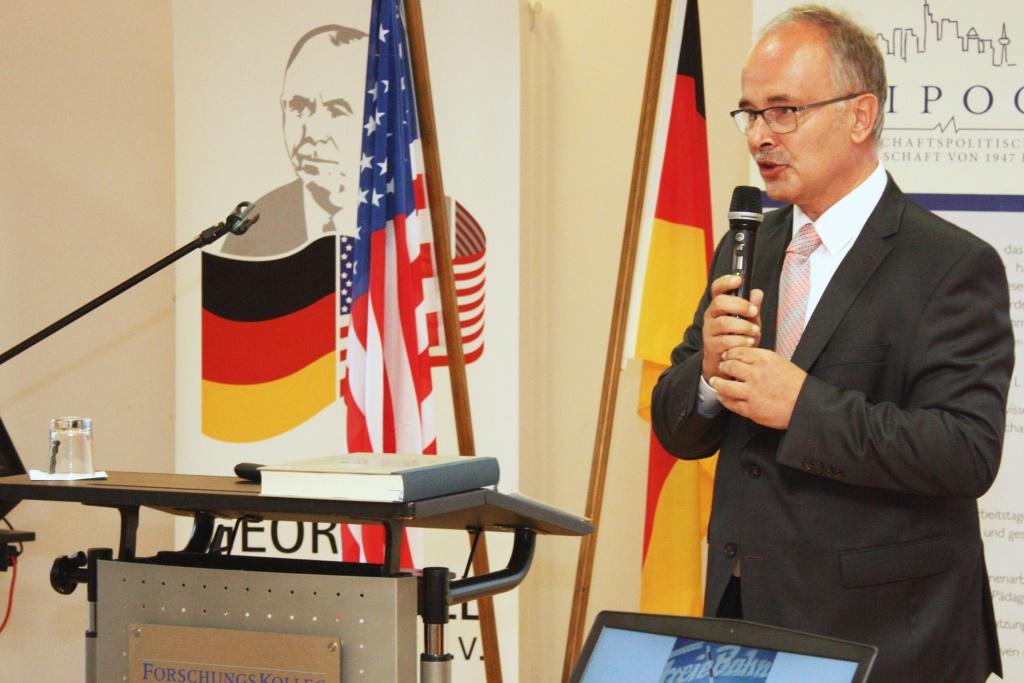 Erster Kreisbeigeordneter Wolfgang Kollmeier, Vorsitzender der George-Marshalll-Gesellschaft