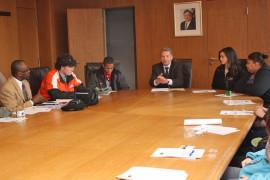 Kreisbeigeordneter Michael Cyriax (4. v. l.) empfing die Schüler im Landratsamt. (Bild: MTK)