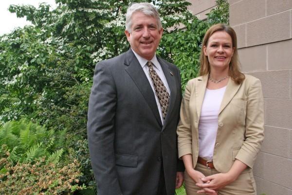 Politikertreffen: Die Landtagsabgeordnete Nancy Faeser, auch Mitglied der Marshall-Gesellschaft, traf sich mit Senator Mark Herring, um mögliche Kontakte zwischen Hessen und Virginia auszuloten.