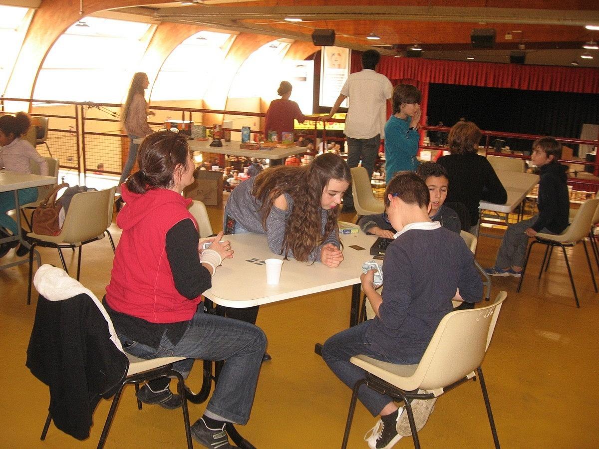 Jeux de société avec les jeunes (CMJ)
