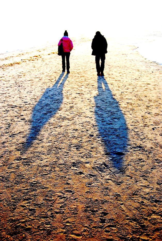 Strandspaziergang im Winter in Grömitz am Meer