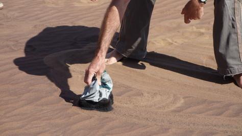 eisen in der wüste vor swakopmund - living desert tours