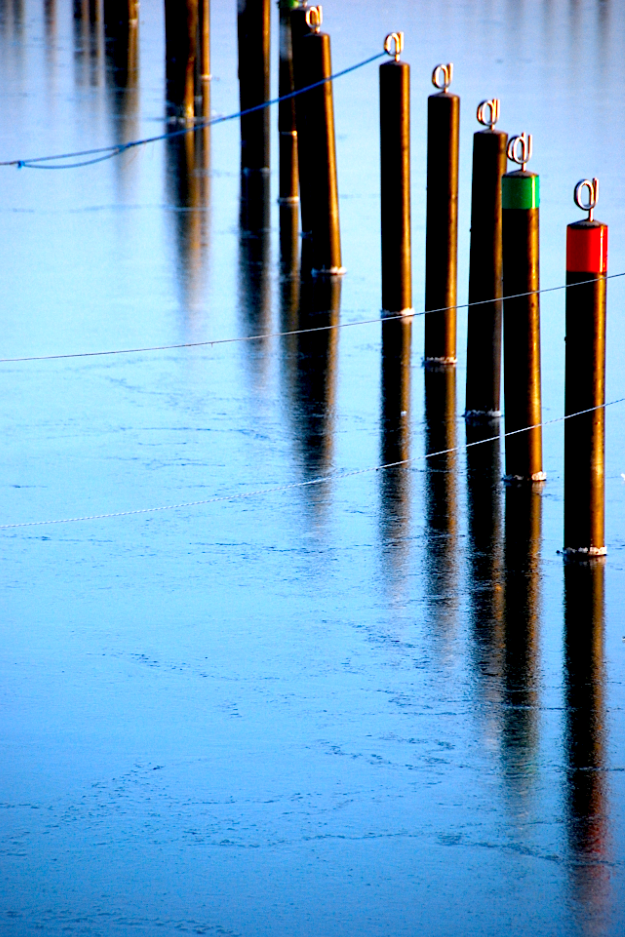 Hafen in Grömitz im Winter mit Eis