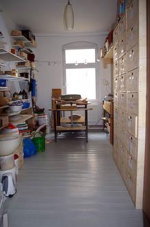 Atelier Raum mit großer Drehscheibe