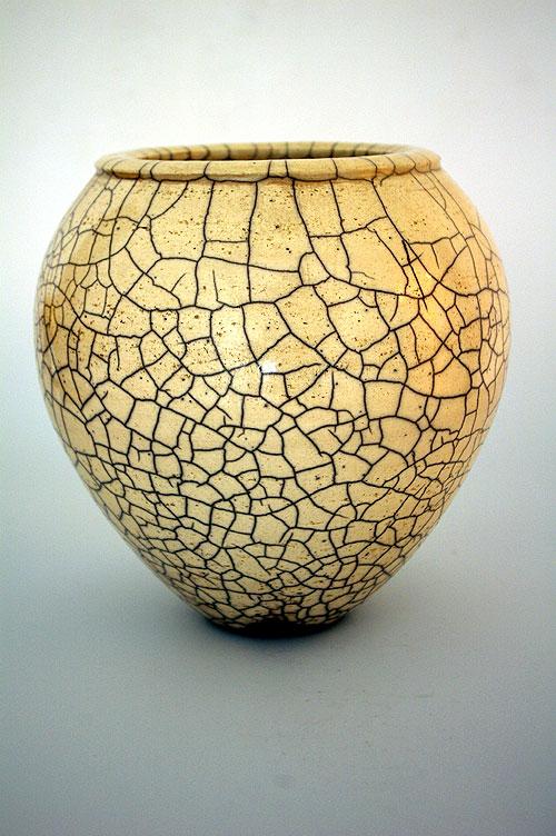 Raku Vase weiße Glasur glänzend mit großem Krakelee