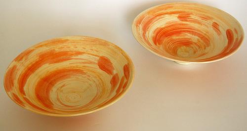 Porzellan Schalen rot engobiert und transparent glasiert