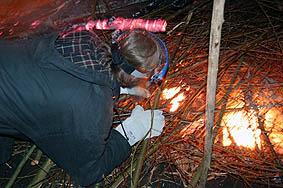 Feuer ist im Grubenbrand entzündet