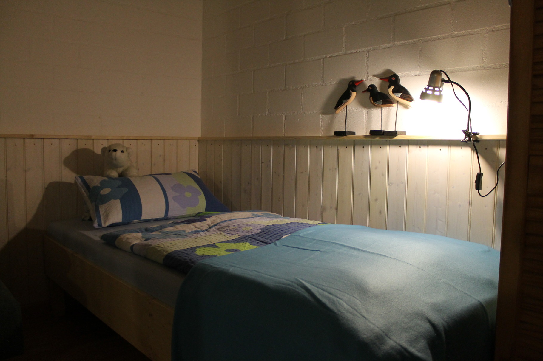 Wohnung 1, Bett
