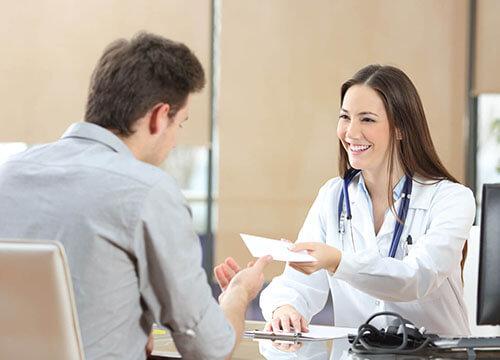 Tại sao người bệnh chọn phòng khám tư nhân ngoài giờ