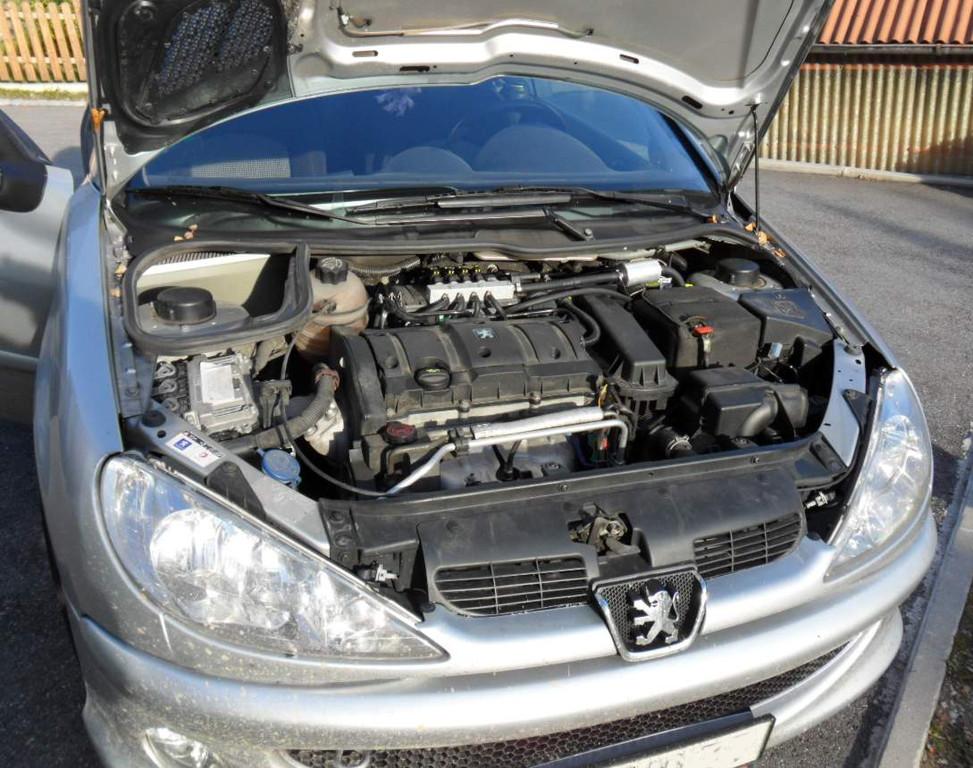 Peugeot 1,6l 80kw Der Kleine hat mittlerweile über 170000km auf dem Tacho!